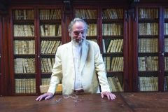 El presidente Marcenaro en la antigua biblioteca