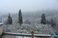 Monasterio de Sargiano : el claustro grande bajo la nieve